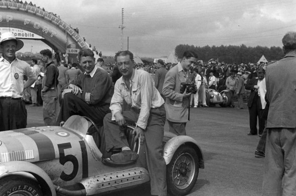 Maurice Gatsonides / Henk Hoogeveen, Rudy Letov Letnany, Aero Minor 750, after the race.