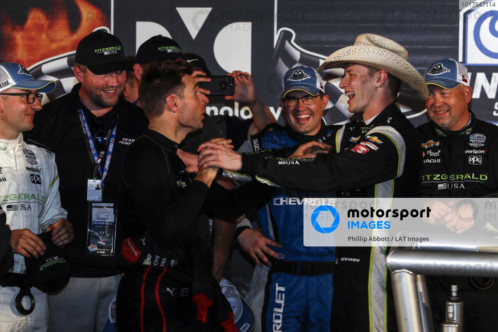 Josef Newgarden, Team Penske Chevrolet celebrates in victory lane with Will Power, Team Penske Chevrolet
