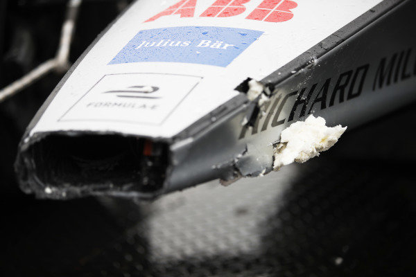 The damaged car of Edoardo Mortara (CHE) Venturi Formula E, Venturi VFE05, is returned to the pits