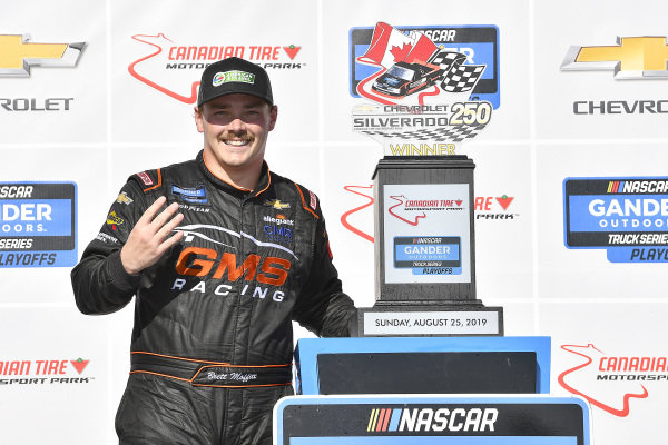 #24: Brett Moffitt, GMS Racing, Chevrolet Silverado wins