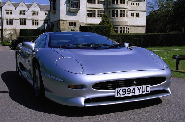 Jaguar XJ220, 1994. Coventry, England.