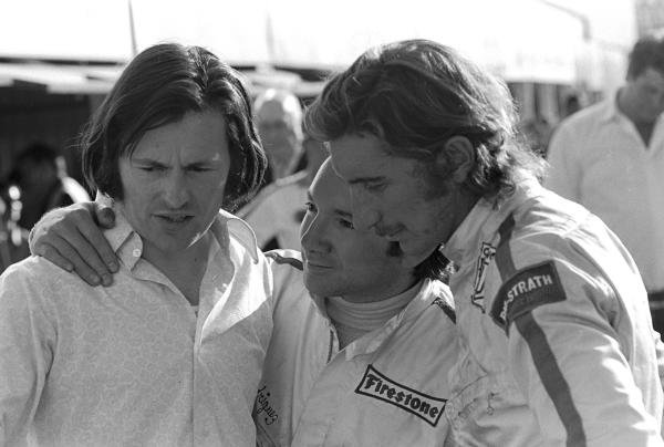 L to R: BRM designer Tony Southgate(GBR), Pedro Rodriguez(MEX) and Jo Siffert(SUI)  South African GP, Kyalami, 6 March 1971
