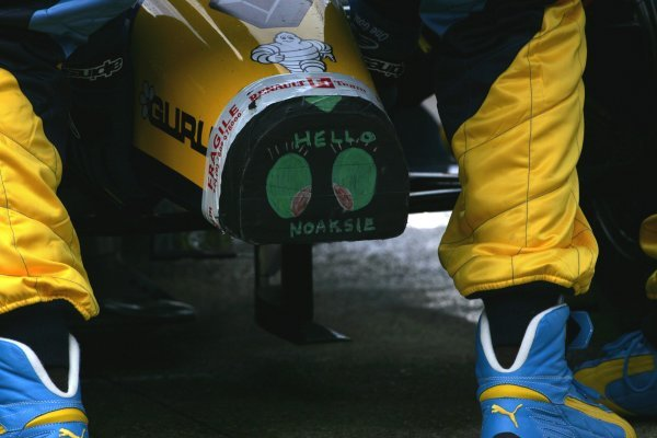 A cheery message to Noaksie on the Renault!Formula One Testing, Silverstone, England, 22 February 2005.DIGITAL IMAGE
