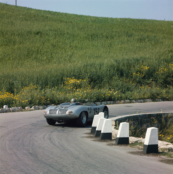 Little Madonie Circuit, Sicily, Italy. 5th May 1963 Umberto Maglioli/Giancarlo Baghetti (Porsche 718WRS), 7th position, action World Copyright: LAT Photographic Ref: 903