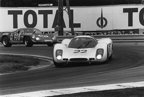 Le Mans, France. 14-15 June 1969.Rudi Lins/Willy Kauhsen (Porsche 908LH), retired, leads Henri Grandsire/Jean-Claude Andruet (Alpine A220/69 Renault), retired, action. World Copyright: LAT Photographic.Ref:  2522 - 6A.