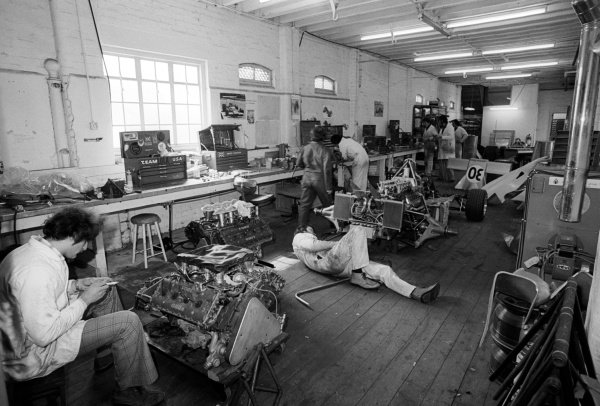 The Copersucar Fittipaldi team work on building the FD04 at the team headquarters. Formula One World Championship, Reading, England, C. March 1976.