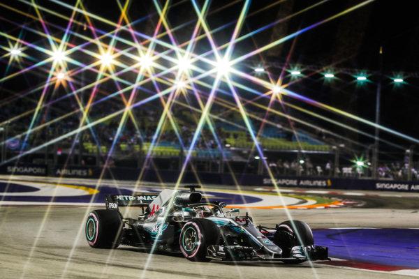 Lewis Hamilton, Mercedes AMG F1 W09 EQ Power+.