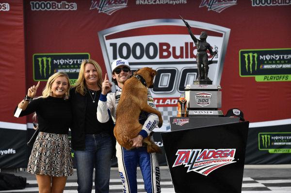#12: Ryan Blaney, Team Penske, Ford Mustang Dent Wizard wins
