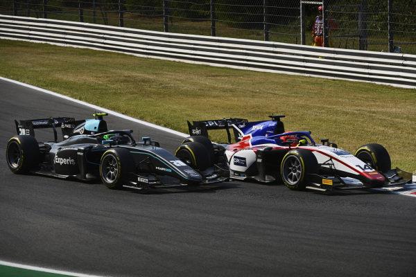 Enzo Fittipaldi (BRA, Charouz Racing System), leads Alessio Deledda (ITA, HWA Racelab)