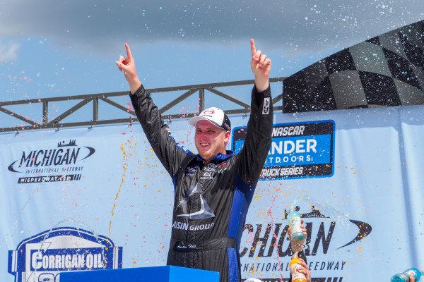 #16: Austin Hill, Hattori Racing Enterprises, Toyota Tundra Hino, AISIN Group celebration