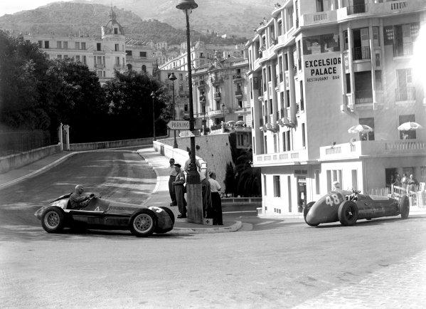 1950 Monaco Grand Prix.Monaco, Monte Carlo. 21st May 1950.Louis Chiron (Maserati 4CLT/48) leads Luigi Fagioli (Alfa Romeo 158). Ref-C26724.World Copyright: LAT Photographic