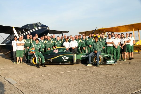 Nabil Jeffri (MAL) Lotus and the Lotus Team.