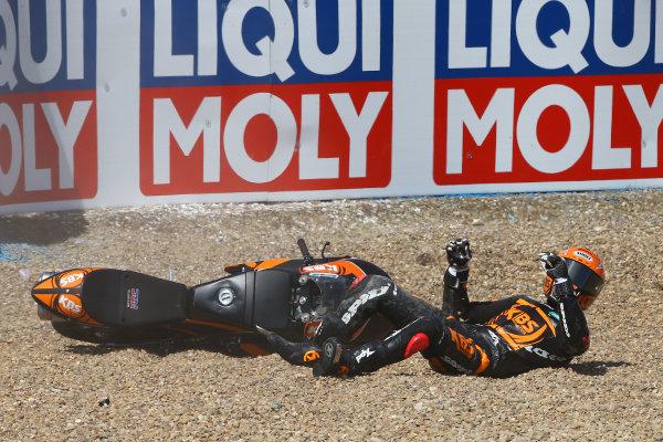 2017 Moto3 Championship - Round 4 Jerez, Spain Sunday 7 May 2017 Adam Norrodin, SIC Racing Team crash  World Copyright: Gold & Goose Photography/LAT Images ref: Digital Image 16274
