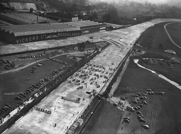 1936 JCC International Trophy. Brooklands, England. May 1936. An aerial view of the temporary chicanes leading towards Vickers straight as the grid lines up before the start of the race. World Copyright: LAT Photographic. Ref: Autocar Glass Plate C8611.