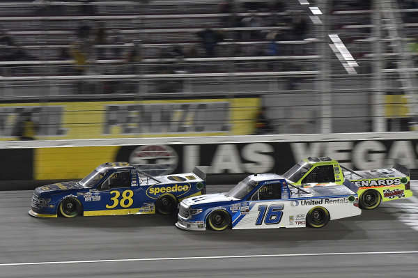 #38: Todd Gilliland, Front Row Motorsports, Ford F-150 Black's Tire, #16: Austin Hill, Hattori Racing Enterprises, Toyota Tundra United Rentals, #88: Matt Crafton, ThorSport Racing, Ford F-150 Damp Rid / Menards