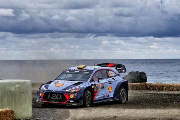 Andreas Mikkelsen (NOR) / Anders Jaeger-Synnevaag (NOR), Hyundai Motorsport Hyundai i20 Coupe WRC at World Rally Championship, Rd13, Rally Australia, Day One, Coffs Harbour, New South Wales, Australia, 17 November 2017.