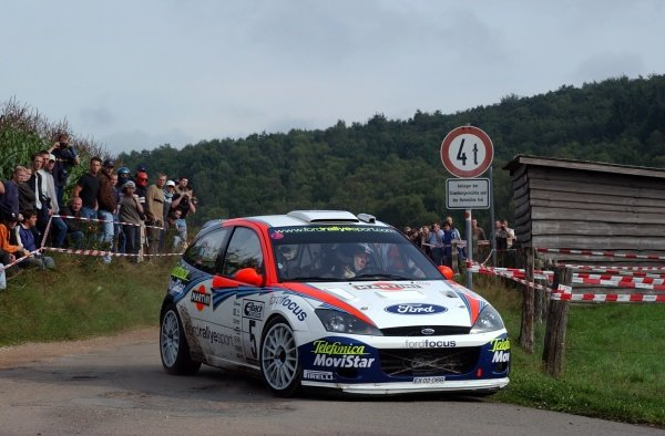 Colin McRae (GBR), Ford Focus RS WRC, on Stage 18, finished the rally fourth overall.