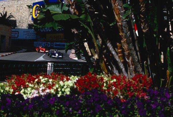 2002 Monaco Grand Prix.Monte Carlo, Monaco. 23-26 May 2002.Nick Heidfeld (Sauber C21 Petronas) followed by Rubens Barrichello (Ferrari F2002) out of Lower Mirabeau.Ref-02 MON 38.World Copyright - LAT Photographic