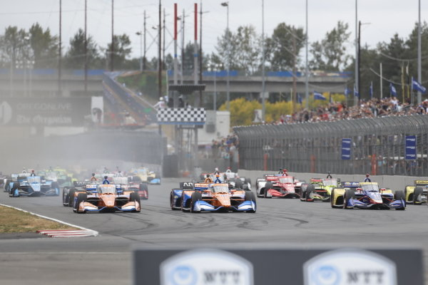#10: Alex Palou, Chip Ganassi Racing Honda, #9: Scott Dixon, Chip Ganassi Racing Honda, #27: Alexander Rossi, Andretti Autosport Honda