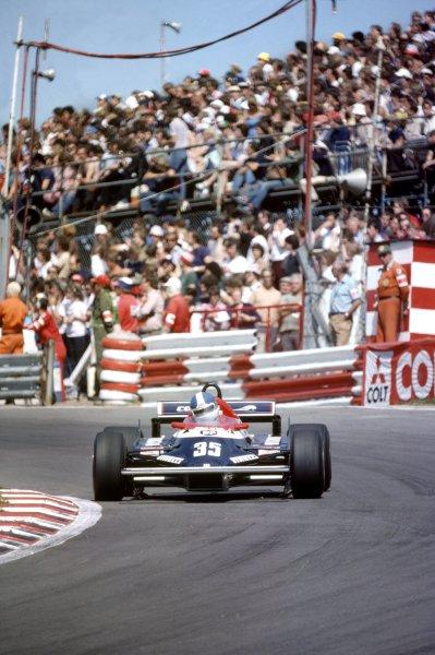 1982 British Grand Prix.Brands Hatch, Great Britain. 18 July 1982.Derek Warwick, Toleman TG181C-Hart, retired, action.World Copyright: LAT PhotographicRef: 35mm transparency 82GB46