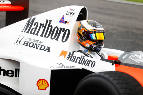 Suzuka Circuit, Japan. Saturday 08 October 2016. Stoffel Vandoorne, Test and Reserve Driver, McLaren, in the 1989 McLaren MP4/5 in which Alain Prost scored his third world drivers title. World Copyright: Steven Tee/LAT Photographic ref: Digital Image _R3I7471