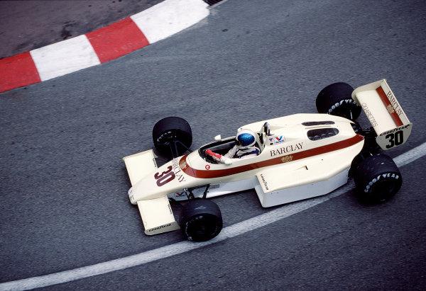1983 Monaco Grand Prix.Monte Carlo, Monaco.12-15 May 1983.Chico Serra (Arrows A6 Ford) 7th position.Ref-83 MON 45.World Copyright - LAT Photographic