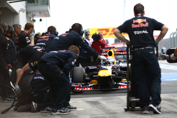 Nurburgring, Germany.22nd July 2011Sebastian Vettel, Red Bull Racing RB7 Renault, comes in for a stop. Action. Pit Stops. World Copyright: Andy Hone/LAT Photographicref: Digital Image CSP11000
