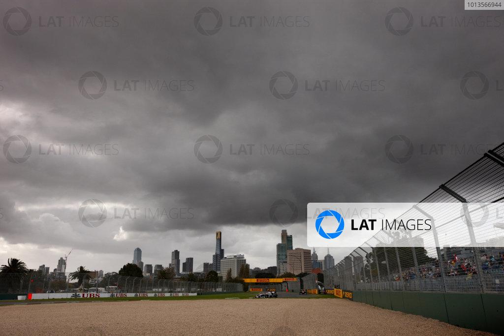 Albert Park, Melbourne, Australia 24th March 2011. Action. Atmosphere.  World Copyright: Steve Etherington/LAT Photographic ref: Digital Image SNE25211