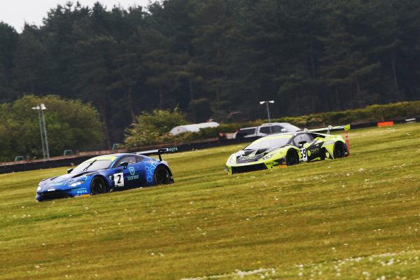 Mark Farmer / Nicki Thiim TF Sport Aston Martin V8 Vantage GT3 and Sam De Haan / Jonny Cocker Barwell Motorsport Lamborghini Huracan GT3 EVO
