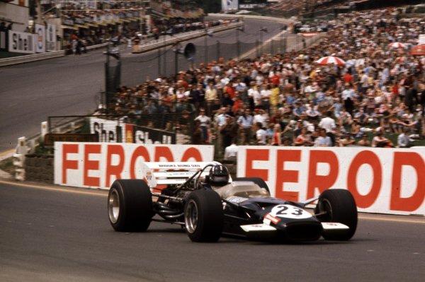 1970 Belgian Grand Prix.Spa-Francorchamps, Belgium.5-7 June 1970.Graham Hill, (Lotus 49C Ford) in Eau Rouge.Ref-70 BEL 20.World Copyright - LAT Photographic