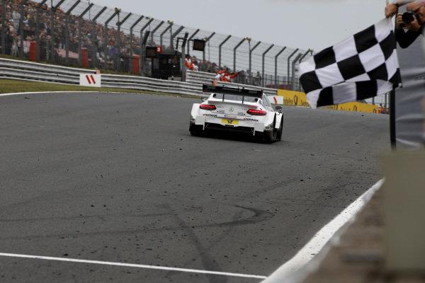Race winner Paul Di Resta, Mercedes-AMG Team HWA, Mercedes-AMG C63 DTM.