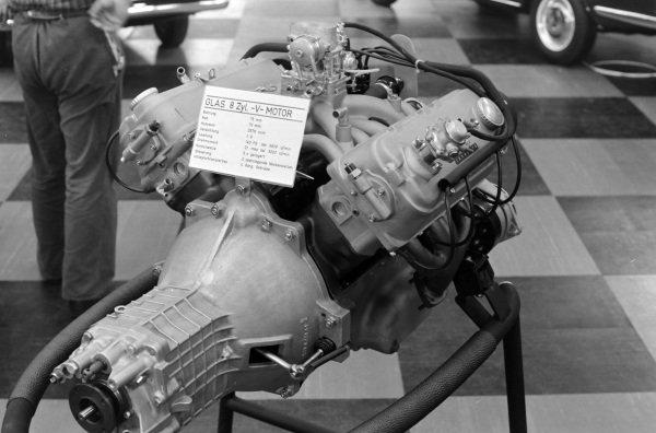 Glas 2600 V8 engine