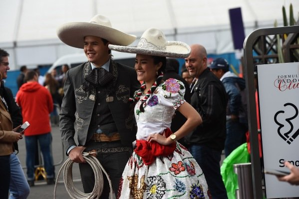 Mexican Dancers at Formula One World Championship, Rd19, Mexican Grand Prix, Race, Circuit Hermanos Rodriguez, Mexico City, Mexico, Sunday 30 October 2016.