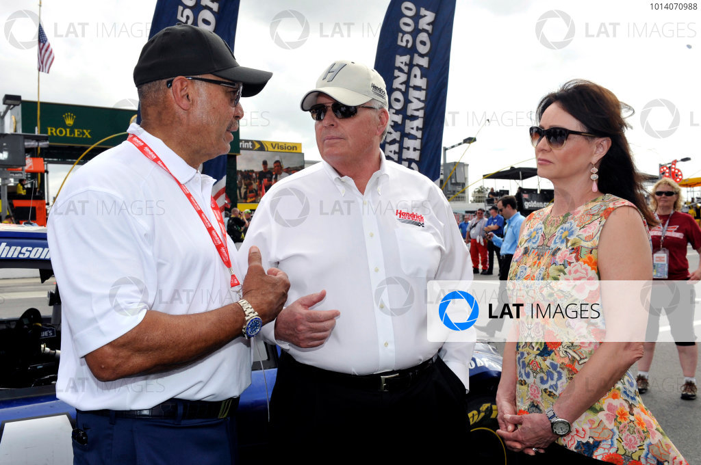 23 February, 2014, Daytona Beach, Florida USA Rick and Linda Hendrick with Reggie Jackson ©2014,Nigel Kinrade LAT Photo USA