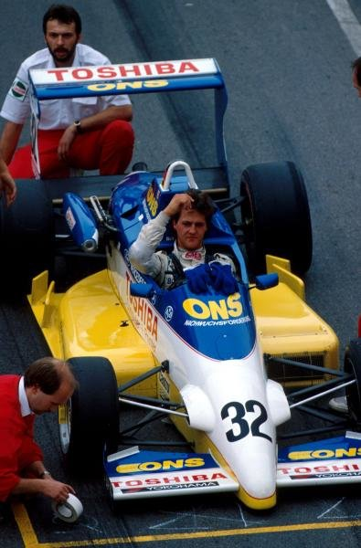 Michael Schumacher (GER), who won the first heat, has his car prepared on the grid.   International Formula Three, Macau Grand Prix, November 1989.
