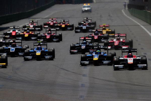 Baku City Circuit, Baku, Azerbaijan. Sunday 25 June 2017 Start of the Formula 2 sprint race. Photo: /FIA Formula 2 ref: Digital Image _54I3174