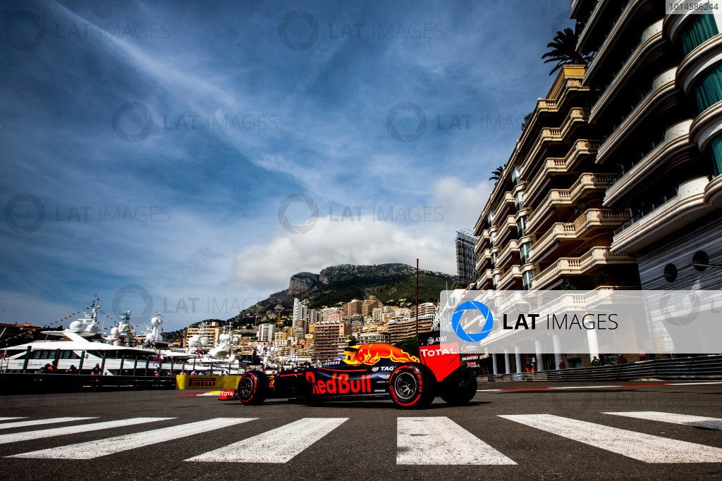 Monte Carlo, Monaco.  Thursday 26 May 2016. Max Verstappen, Red Bull Racing RB12 TAG Heuer. World Copyright: Zak Mauger/LAT Photographic ref: Digital Image _L0U2720