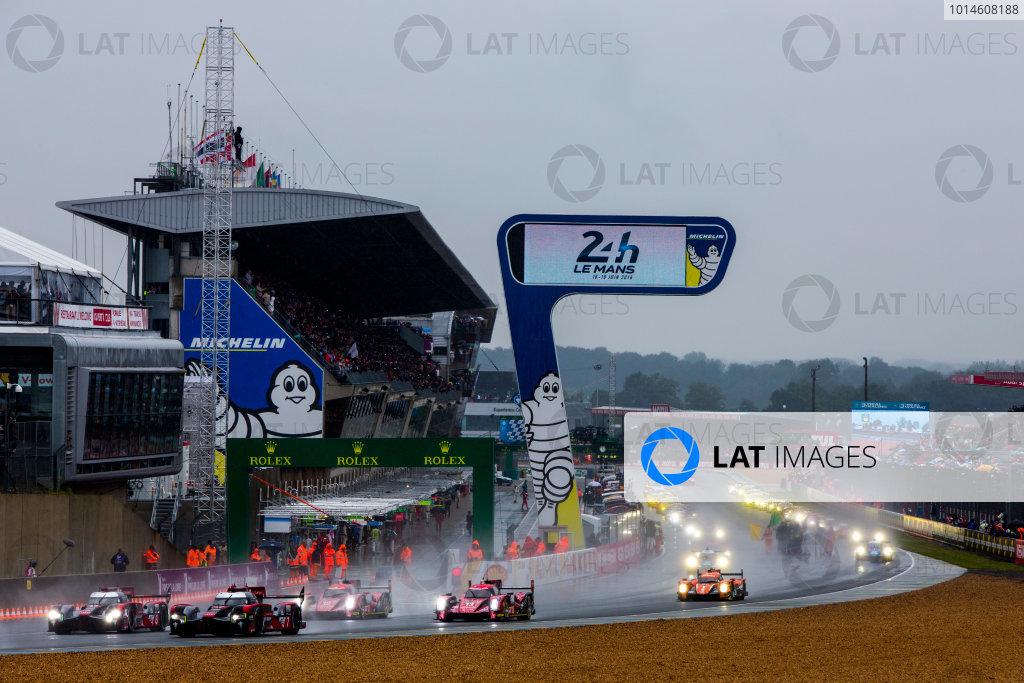 2016 Le Mans 24 Hours. Circuit de la Sarthe, Le Mans, France. Saturday 18 June 2016. Audi Sport Team Joest / Audi R18 - Marcel Fassler (CHE), Andre Lotterer (DEU), Benoit Treluyer (FRA), Audi Sport Team Joest / Audi R18 - Lucas Di Grassi (BRA), Loic Duval (FRA), Oliver Jarvis (GBR). World Copyright: Zak Mauger/LAT Photographic ref: Digital Image _79P6817