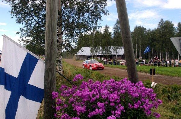 Thomas Radstrom (SWE) Hyundai Accent WRC on leg 1.FIA World Rally Championship, Rally Finland, Rd9, Finland. Day One. 9 August 2002.DIGITAL IMAGE