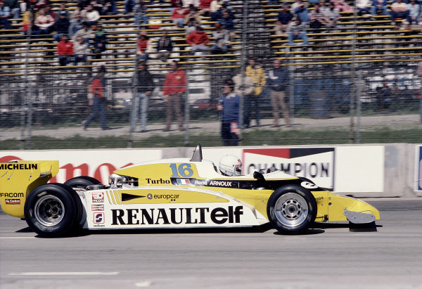 1981 United States Grand Prix West.Long Beach, California, USA.13-15 March 1981.Rene Arnoux (Renault RE27B) 8th position.Ref-81 LB 47.World Copyright - LAT Photographic