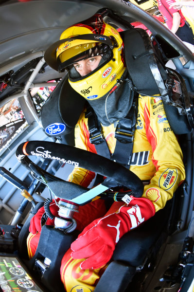Monster Energy NASCAR Cup Series Federated Auto Parts 400 Richmond Raceway, Richmond, VA USA Friday 8 September 2017 Joey Logano, Team Penske, Shell Pennzoil/Red Cross Ford Fusion World Copyright: Nigel Kinrade LAT Images