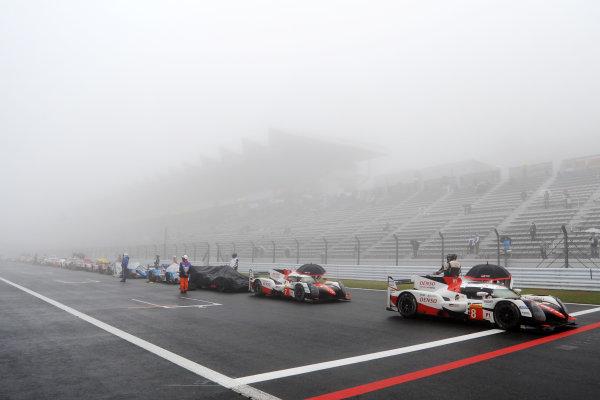 2017 FIA World Endurance Championship, Fuji, Japan. 13th-15th October 2017, Fog causes a Red Flag World copyright. JEP/LAT Images
