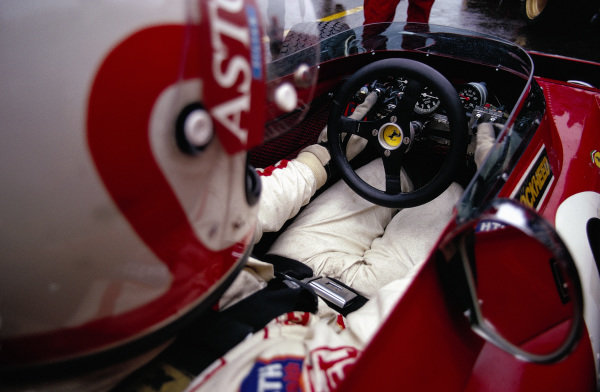 Clay Regazzoni sat in his Ferrari 312B2.