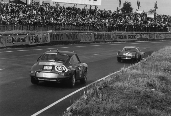 Le Mans, France. 28-29 September 1968.Willy Meier/Jean de Mortemart (Porsche 911T), retired, chases Bob Wollek/Christian Ethuin (Alpine A210 Renault), 11th position, action. World Copyright: LAT PhotographicRef: 2170 - 34A-35.