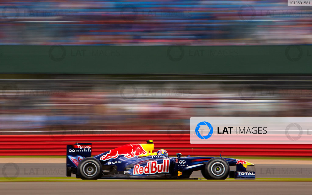 Silverstone, Northamptonshire, England 9th July 2011 Mark Webber, Red Bull Racing RB7 Renault. Action.  World Copyright: Steve Etherington/LAT Photographic ref: Digital Image SNE22161