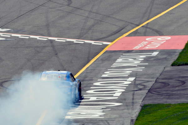 NASCAR Xfinity Series ToyotaCare 250 Richmond International Raceway, Richmond, VA USA Saturday 29 April 2017 Kyle Larson, Credit One Bank Chevrolet Camaro burnout World Copyright: Nigel Kinrade LAT Images ref: Digital Image 17RIC1nk08954