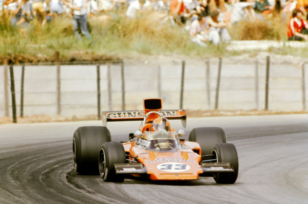 1975 South African Grand Prix. Kyalami, South Africa. 27th February - 1st March 1975. Eddie Keizan (Lotus 72E-Ford), 13th position, action. World Copyright: LAT Photographic.
