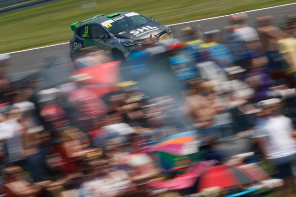 2016 Renault Clio Cup.  Oulton Park, Cheshire. 4th-5th June 2016, Charles Ladell (GBR) WDE Motorsport Renault Clio Cup  World copyright. Jakob Ebrey/LAT Photographic