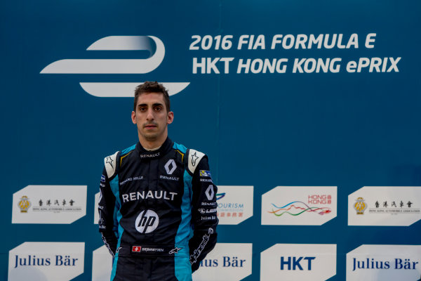 2016/2017 FIA Formula E Championship. Hong Kong ePrix, Hong Kong, China. Sunday 9 October 2016. Sebastien Buemi (SUI), Renault e.Dams, Spark-Renault, Renault Z.E 16.  Photo: Zak Mauger/LAT/Formula E ref: Digital Image _X0W2873