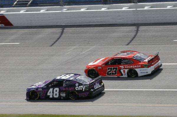 #48: Alex Bowman, Hendrick Motorsports, Chevrolet Camaro Ally, #23: Bubba Wallace, 23XI Racing, Toyota Camry DoorDash